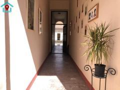 Tágas, felújított lakás a Palotanegyedben