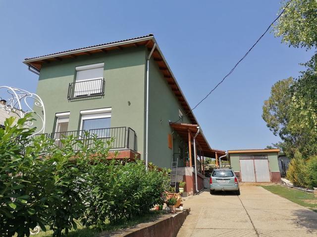 Tágas Családi ház eladó Rádon
