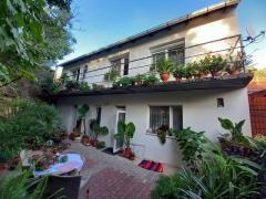 Pécs Mecsek oldalban, 200nm-es, két generációnak alkalmas családi ház eladó.